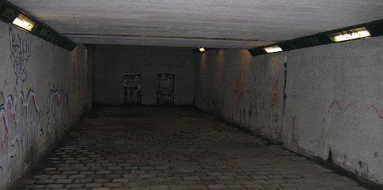 Tak prezentuje się przejście podziemne pod ul. Wielkopolską. Brzydkie? A może normalne, pośród wielu jemu podobnych, do których już się przyzwyczailiśmy?