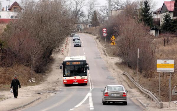 Pasażerowie m.in. linii 174 są oburzeni zmianami, jakie ZTM wprowadził w rozkładach jazdy. Trasa tej linii została skrócona ze Śródmieścia do pętli na Chełmie.