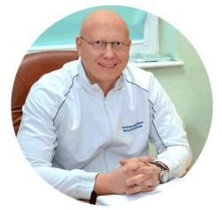 Mgr Marcin Rosadziński, specjalista terapii manualnych opracował schemat kompleksowej, indywidualnej terapii kręgosłupa.