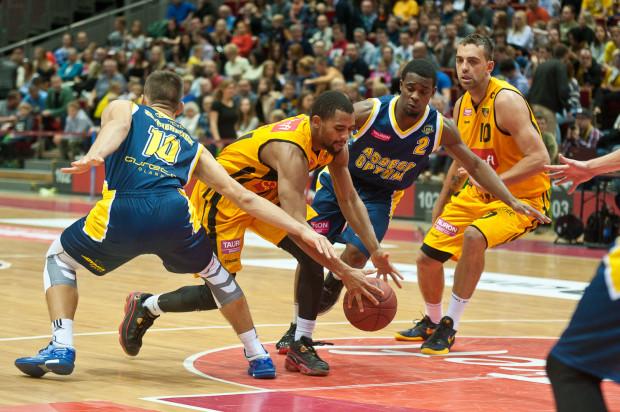 Anthony Hickey i Tyreek Duren błysnęli podczas derbów Trójmiasta. Amerykanie mogą być odkryciem Tauron Basket Ligi w sezonie 2015/2016.