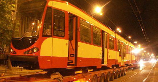 """Dwudziesty zmodernizowany """"Dortmund"""" przyjechał w weekend do Gdańska. Tu jeszcze na lawecie na ulicy Nowe Ogrody..."""