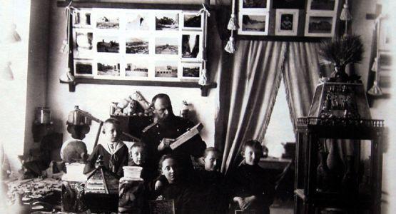 Leon Barszczewski sporządzał bogatą dokumentację fotograficzną swoich podróży. Ze swoich zbiorów utworzył Muzeum w Samarkandzie, a kolekcja botaniczno - zoologiczna wzbogaciła muzea Akademii Nauk w Petersburgu.