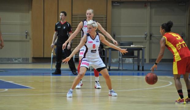 Jelea Skerović wciąż pokazuje, że posiada bardzo dobry przegląda boiska. To sprawia, że ze średnią 8,4 jest najlepiej asystującą koszykarką w TBLK.