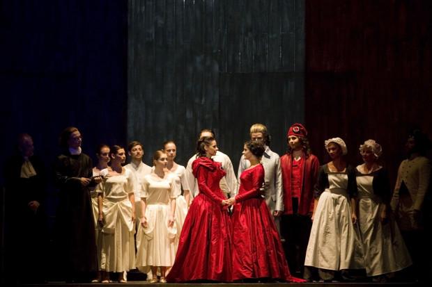 """Symboliczne, poetyckie zakończenie spektaklu, to jeden z lepszych momentów najnowszej gdańskiej opery z cyklu """"Opera Gendanensis""""."""