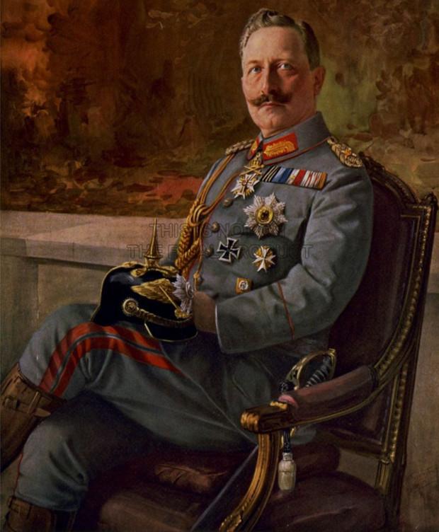 Ostatni niemiecki cesarz i król Prus, Wilhelm II wizytował we Wrzeszczu willę Patschkego, by zobaczyć, jak prezentuje się majolika, która pochodziła z jego zakładu w Kadynach koło Elbląga.