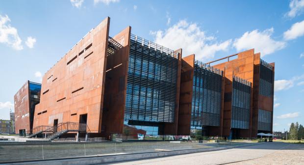 ECS jako ikona nowoczesnego Gdańska? Dzisiaj za wcześnie chyba na taką opinię, ale wątpliwe jest, by dało się zbudować atrakcyjne miasto bazując wyłącznie na wielkich, niesztampowych budynkach.