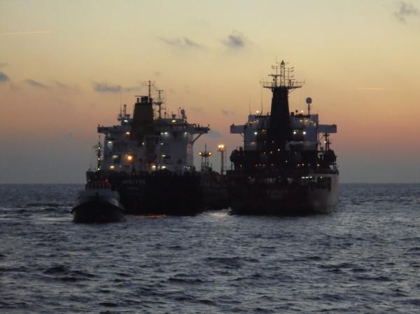 Do operacji przeładunku ropy wykorzystano statek Icarus III odbierający ropę z platformy Baltic Beta - dopełniając go ropą ze złoża z B8.