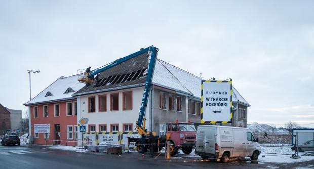 Rozbiórka hostelu przy ul. Toruńskiej - fragmentu zabudowań dawnego dworca Kłodno.