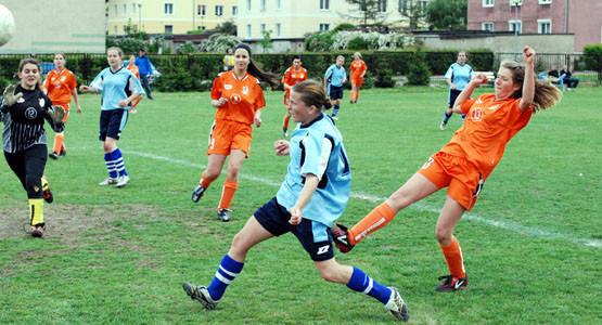 Monika Gniadek była nie do powstrzymania przez zawodniczki z Łubianki. Czołowa zawodniczka TKKF Checz Gdynia zdobyła w tym sezonie 16 bramek.