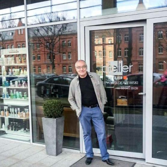 Ten Fryzjer Przez 60 Lat Uszczęśliwiał Swoich Klientów