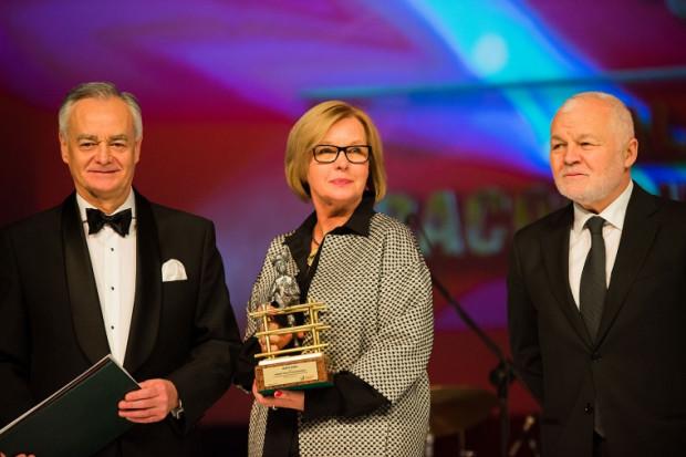 Złotego Oxera 2015 otrzymała Barbara Sergot-Golędzinowska, autorka sukcesu Grupy Base. Nagrodę wręczył Zbigniew Canowiecki, prezes Pracodawców Pomorza i Jan Krzysztof Bielecki.