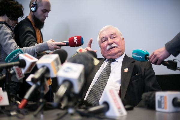 Lech Wałęsa na konferencji prasowej w ECS nie wykluczył, że wniesie o ponowną lustrację.