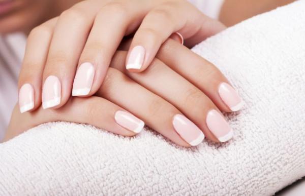 Pytamy trójmiejskie kosmetyczki, jak dbać o paznokcie i na co zwracać uwagę podczas ich pielęgnacji.