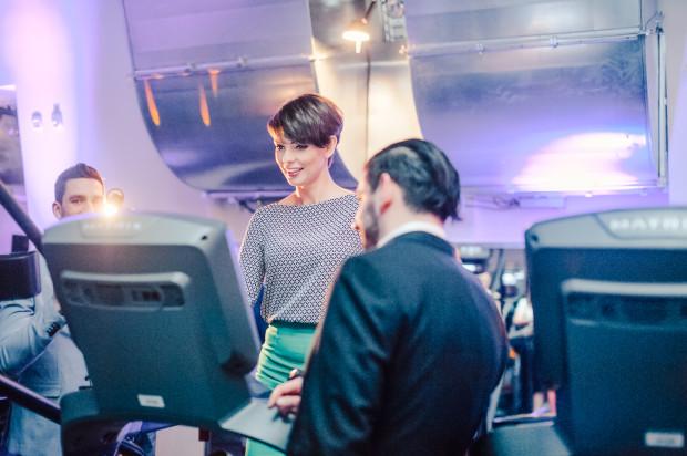 Dorota Gardias - prowadząca otwarcie - na bieżni w Elite Gym