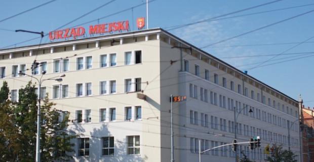 Urzędnicy w Gdańsku chcą pożyczyć w tym roku 82 mln zł na spłatę obecnych kredytów.