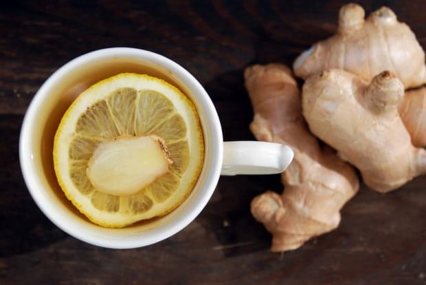 Herbata z imbirem to zdrowy i mocno rozgrzewający napój. Warto po nią sięgać nie tylko podczas infekcji ale także wtedy, gdy w okresie wiosennym nasz organizm jest osłabiony. Doda wigoru, oczyści organizm i pobudzi umysł.