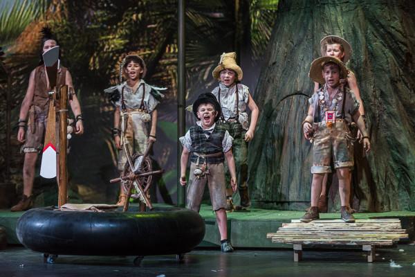 Na wysokości zadania stanęli też wszyscy mali aktorzy grający Zagubionych Chłopców.