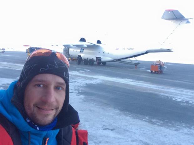 Piotr Suchenia już był w samolocie, który miał wylądować na Biegunie Północnym. Musiał jednak zawrócić, gdyż nie miał możliwości wylądowania. Gdynianin wraca do kraju.