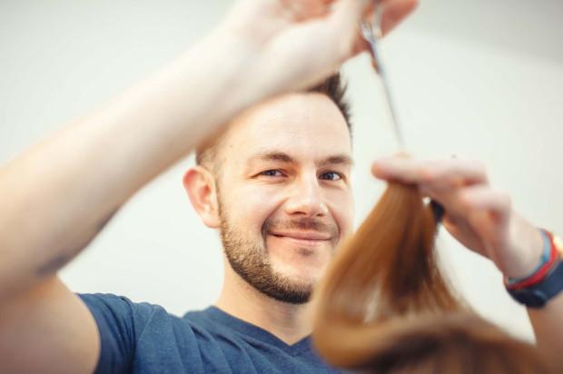 Maciej Kubuj - współwłaściciel salonu fryzjerskiego ExcellentQ