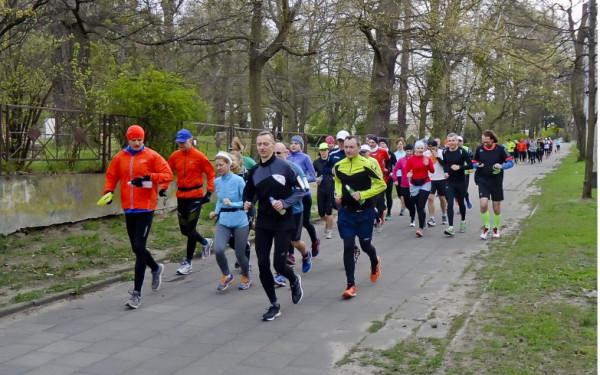 Sobotni Bieg Europejski w Gdyni to nie jedyna atrakcja dla biegaczy w nadchodzący weekend. Nie zabraknie tradycyjnych zawodów parkrun czy treningów przygotowujących do gdańskiego maratonu.
