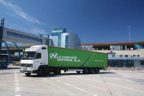 C.Hartwig Gdynia jest operatorem logistycznym, działającym na rynku krajowym i międzynarodowym od 1858 roku i zatrudnia obecnie 230 pracowników.