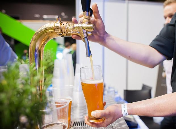Piwa rzemieślnicze są coraz bardziej popularne. Podczas Chmielatonu będzie można odwiedzić jedenaście lokali w gdańskim Śródmieściu serwujących takich trunek.