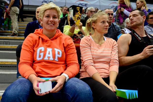 Anita Włodarczyk (po lewej) trzy lata temu zasiadła na trybunach Ergo Areny, aby obejrzeć spotkanie Atomu Trefl Sopot z Muszynianką Fakro Muszyna.