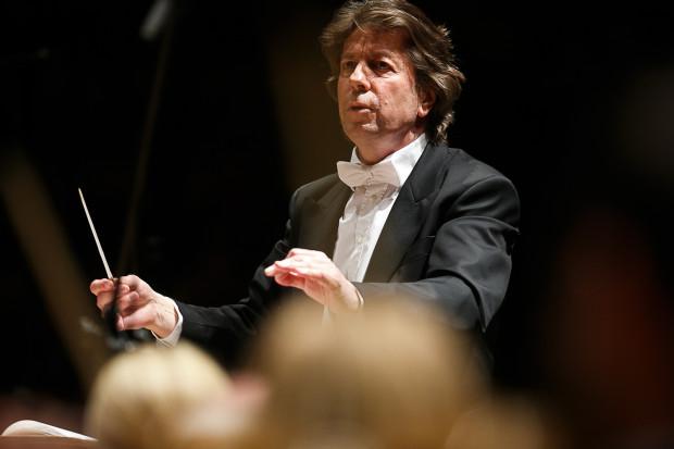 Ernst van Tiel rezygnuje z kierowania gdańskimi filharmonikami.
