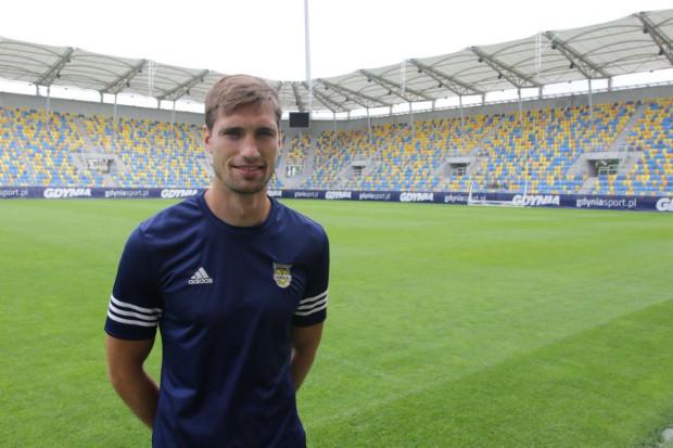 Szymon Lewicki dołączył do piłkarzy Arki Gdynia i uzgodnił warunki kontraktu.