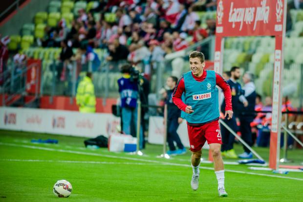 Rafał Janicki był powoływany na trzy kolejne zgrupowania biało-czerwonych, ale w seniorskiej reprezentacji nie zadebiutował. Po raz ostatni miał na to szansę w czerwcu ubiegłego roku.