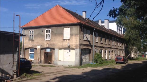 Podtopione budynki znajdują się nieopodal Węzła Kliniczna, tuż za biurowcem C200.