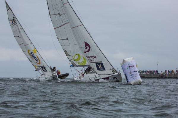 Podczas wyścigów, w pojedynczych startach rywalizowały dwie załogi, które ścigały się na takich samych jednostkach.