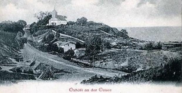 Pocztówka ze starego Oksywia z początku XX wieku. Kościół św. Michała Archanioła z XIII wieku dominuje nad okolicą.
