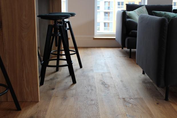 Co Wybrać Na Podłogę Panele Laminowane Czy Drewno Serwis