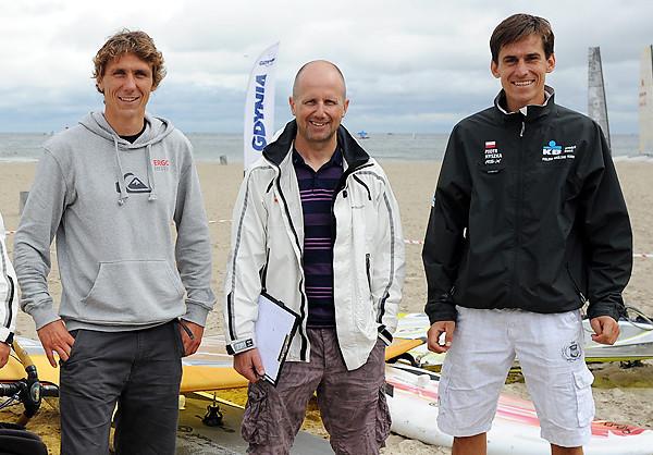 Od prawej: Piotr Myszka, czwarty w Rio de Janeiro, Paweł Kowalski, wieloletni trener polskich deskarzy oraz Przemysław Miarczyński, brązowy medalista olimpijski sprzed czterech lat w klasie RS:X.