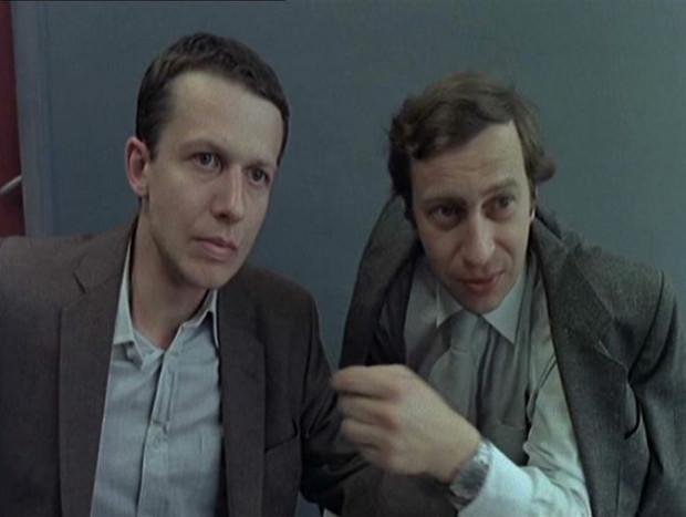 """W """"Przypadku"""" jedną z pierwszych poważnych ról w swojej karierze zagrał Bogusław Linda. Był to również szczególny film dla Kieślowskiego, który symbolicznie w """"Przypadku"""" przechodził od kina dokumentalnego do filmu fabularnego."""