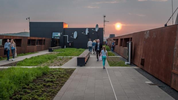 Tak wyglądał ogród na dachu ECS-u wkrótce po oddaniu do użytku.