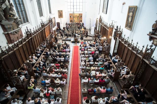 Festiwalowe koncerty odbywają się we franciszkańskim kościele św. Trójcy.