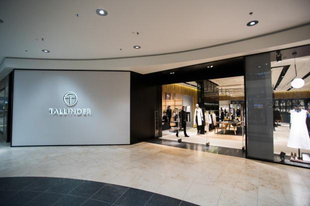 Swoją najnowszą markę spółka LPP zaprezentowała w styczniu 2016 roku. Tym razem postawiła na odzież i akcesoria adresowane do zamożniejszych i najbardziej wymagających klientów. Pomysł jednak nie chwycił.