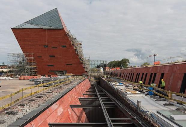 Muzeum II Wojny powstaje za 400 mln zł przy ul. Wałowej w Gdańsku.