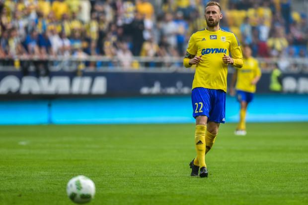 Piłka przestała się słuchać Dariusza Zjawińskiego. W pierwszych dwóch meczach w Gdyni strzelił 2 gola, a w dwóch ostatnich spotkaniach dwukrotnie piłka po jego strzałach trafiała w słupek.