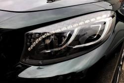 Kryształy Swarovskiego w reflektorach S 63 AMG Coupe.