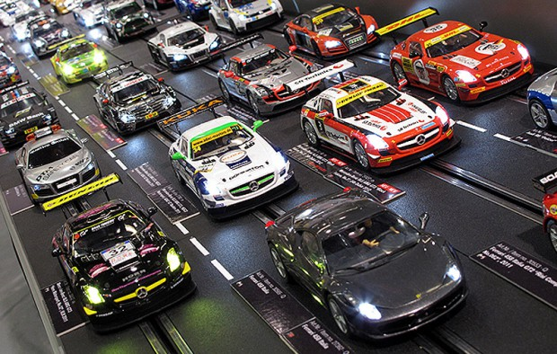 Ferrari, Audi a może Porsche? Wybierz swój model i ścigaj się na najdłuższym torze slot cars w Polsce.