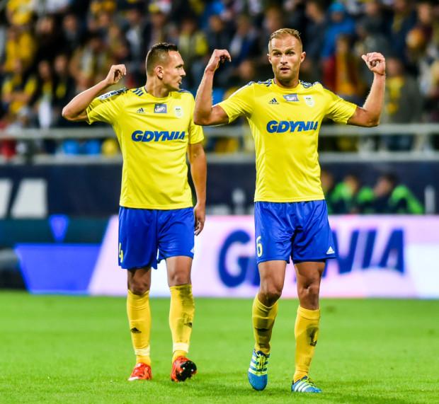 M.in. defensorzy Dawid Sołdecki (z lewej) i Antoni Łukasiewicz mogą już koncentrować się nad niedzielnym meczu z Lechem w Poznaniu, gdyż w Pucharze Polski nie zagrają.