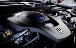 Benzynowy silnik V6 o pojemności 3 litrów i mocy 410 KM.
