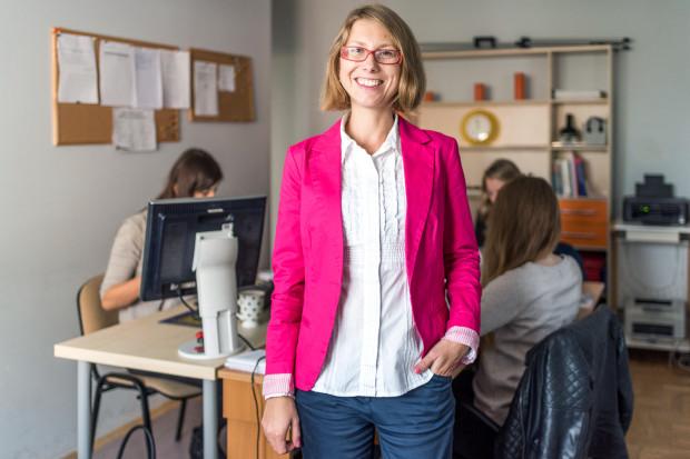 - Zawsze mówię swoim klientom, że zanim zatrudnią kogoś nowego, najpierw muszą być pewni, że ktoś nowy jest im faktycznie potrzebny. Zwolnienie człowieka, to jest dopiero ogromny koszt emocjonalny - mówi Marta Woźny-Tomczak.
