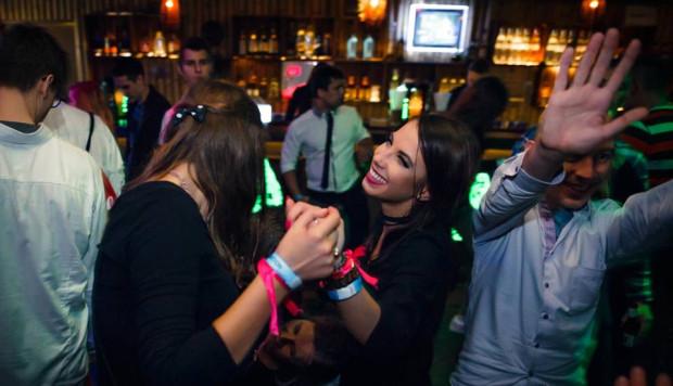 Podczas Trójmiejskiej Integracji Studenckiej bawić można się jednego wieczora w dziewięciu sopockich klubach. Impreza adresowana jest do żaków wszystkich kierunków i uczelni.