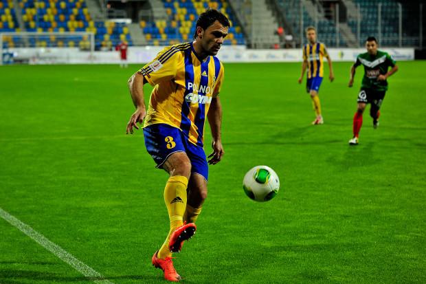 """Arka w porównaniu z ostatnim meczem dokonała zmian na czterech pozycjach w """"11"""". M.in. po raz pierwszym w tym sezonie w ekstraklasie zagrał Krzysztof Sobieraj."""