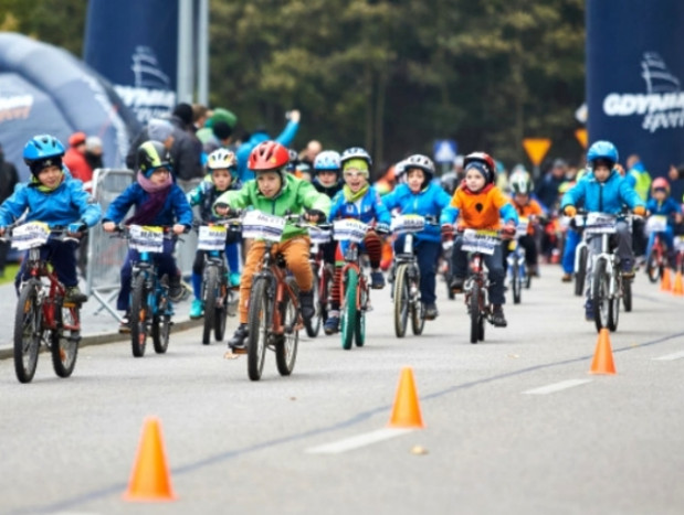 Blisko 700 kolarzy wystartowało w Gdyni
