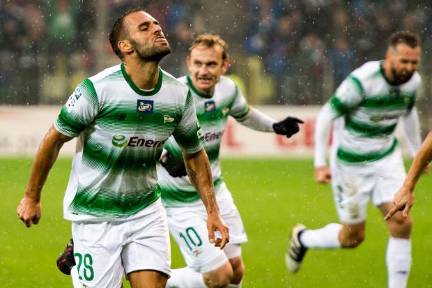 Flavio Paixao (nr 28) setny mecz w polskiej ekstraklasie zaakcentował 2 golami.